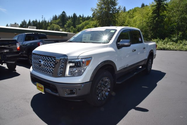 New 2019 Nissan Titan Platinum Reserve with Navigation & 4WD