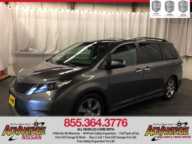 Pre-Owned 2014 Toyota Sienna SE